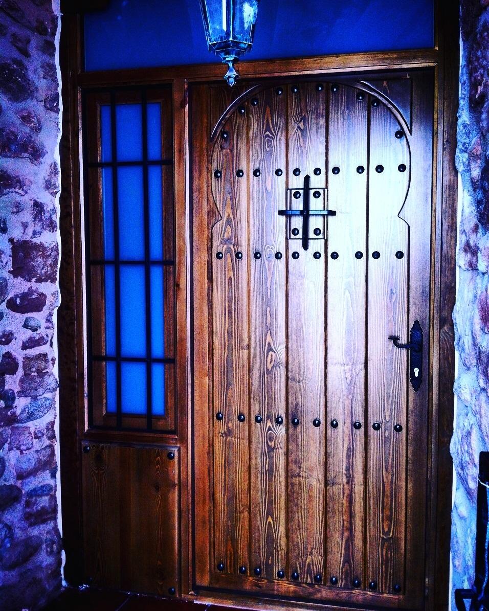 Puertas De Entrada De Madera Rusticas Affordable Puerta De  ~ Puertas De Entrada De Aluminio Rusticas